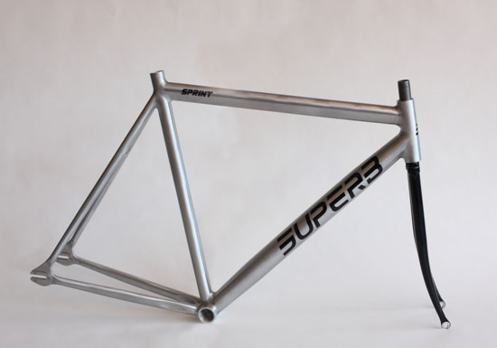 Superb Sprint track frame