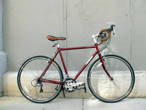 2011 Jamis Aurora touring bicycle