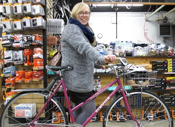 Elyse and her vintage Schwinn single speed