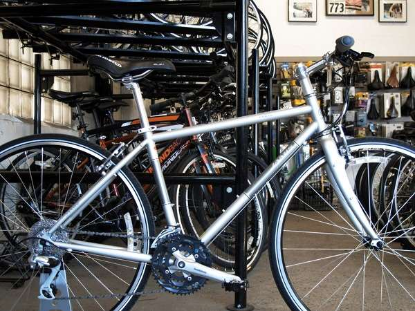 2013 Jamis Coda Comp Fitness hybrid commuter with Shimano Alivio