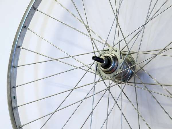 Vintage Shimano 3-speed 27 inch wheel