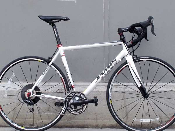 2013 Jamis Icon pro aluminum fiber road bike with Shimano 105