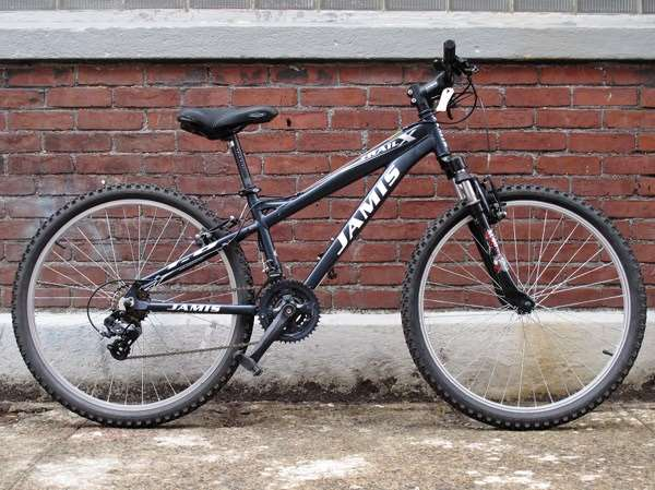 Used Jamis trail mountain bike