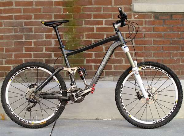 Jamis MP4 custom downhill all mountain Shimano SLX Continental Mavic