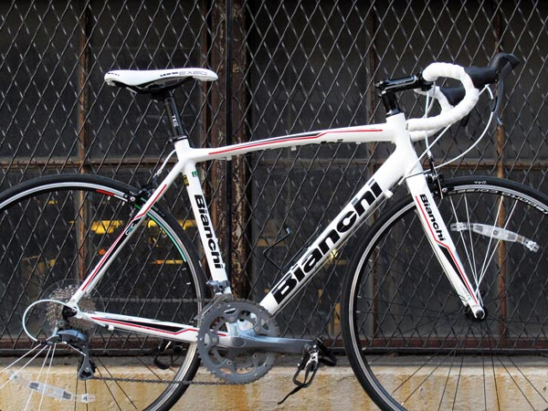 2014_bianchi_nirone_7_shimano_claris_entry_level_road
