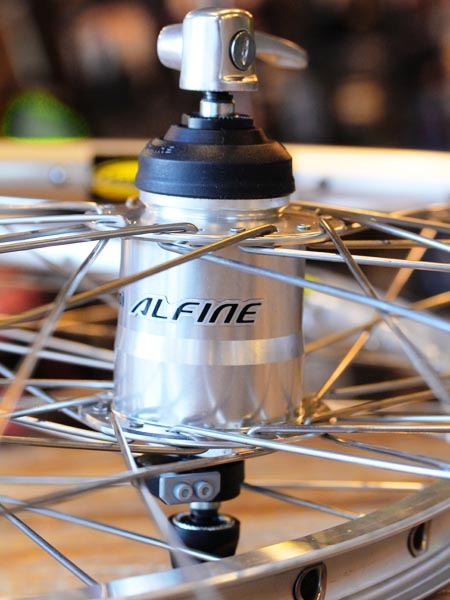 Shimano Alfine 11 speed dynamo wheelset Mavic rim