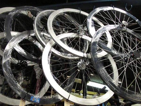 Single speed fixed gear flip flop wheelsets