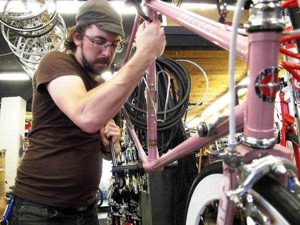 Chicago-made pink Schwinn Prelude