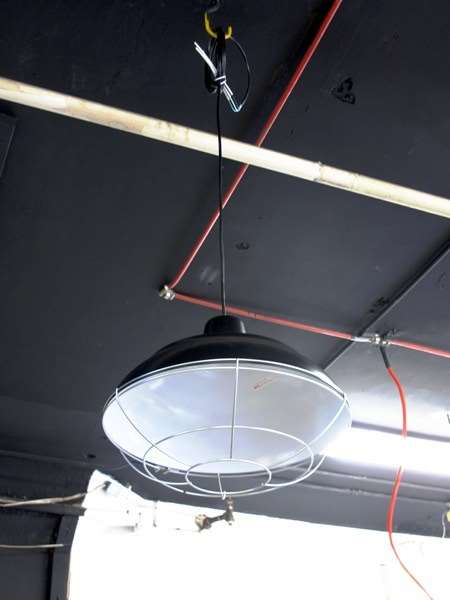 Lighting fixture for retail area