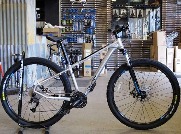 2013 Raleigh Talus 29 hardtail mountain bike