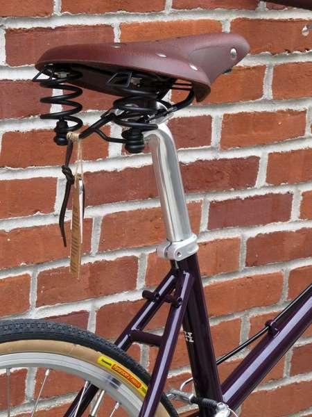 2013 Handsome She Devil commuter touring bike leather sprung saddle
