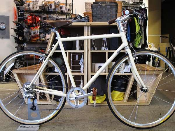 2014 Handsome Devil complete Shaving Cream commuting city touring bike