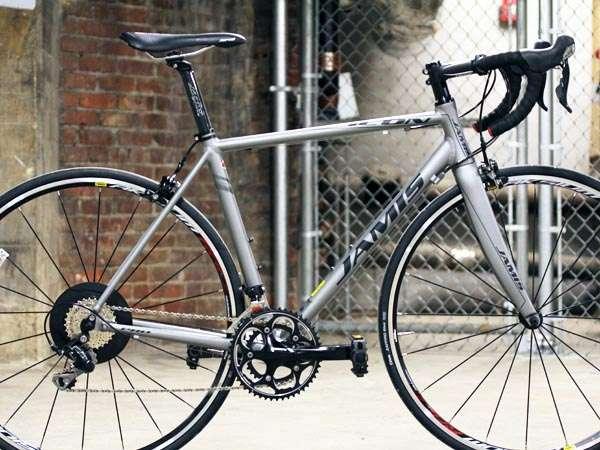 2014 Jamis Icon Pro Mavic Aksium Shimano 105 road bike