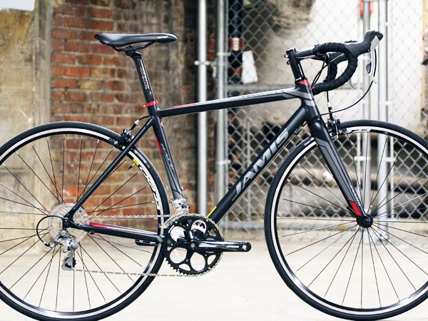 2014 Jamis Ventura race aluminum road bike, Shimano Tiagra, Mavic