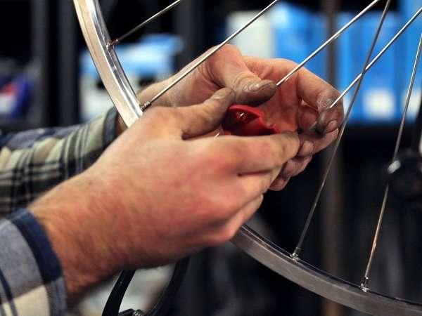 professional custom wheelbuild at cambridge bicycle by master wheelbuilder