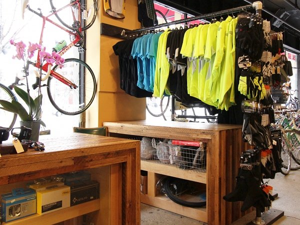endura clothing cycling apparel at cambridge bicycle